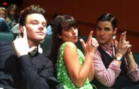 "#ComunidadGleeFans Twitt de Lea: ""Who wouldn't want to be in between these two boys.. ;)""  Y bue, parecen las Ángeles de Charli..."